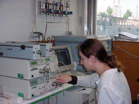 Cromatográfia a Gás, onde se utiliza vários gases especiais.